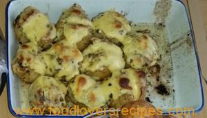 FRESH PARSLEY POTATOES WITH CHEESE SAUSE