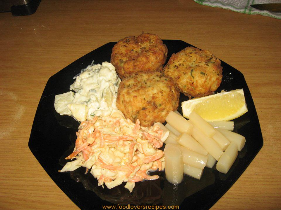 Food lovers recipes fish cakes hake fish cakes hake for How to make fish patties